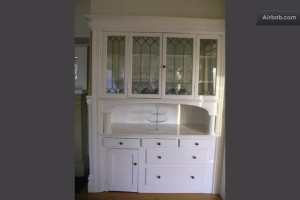More built-in china cabinet--show off those pretties!