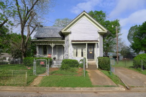301 N Perry, Palestine, TX  75801 - Hosue for sale