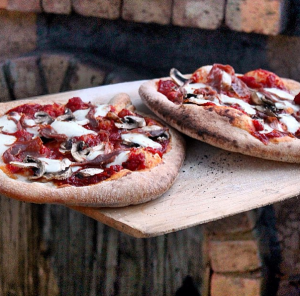 Can't beat the wood-fired pizza @ Sabor A Pasion! Photo via Sabor A Pasion on Instagram.
