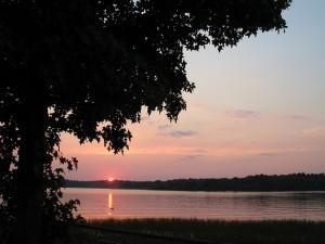 Sunset over Houston County Lake at Crockett Family Resort. Photo via Crockett Resort