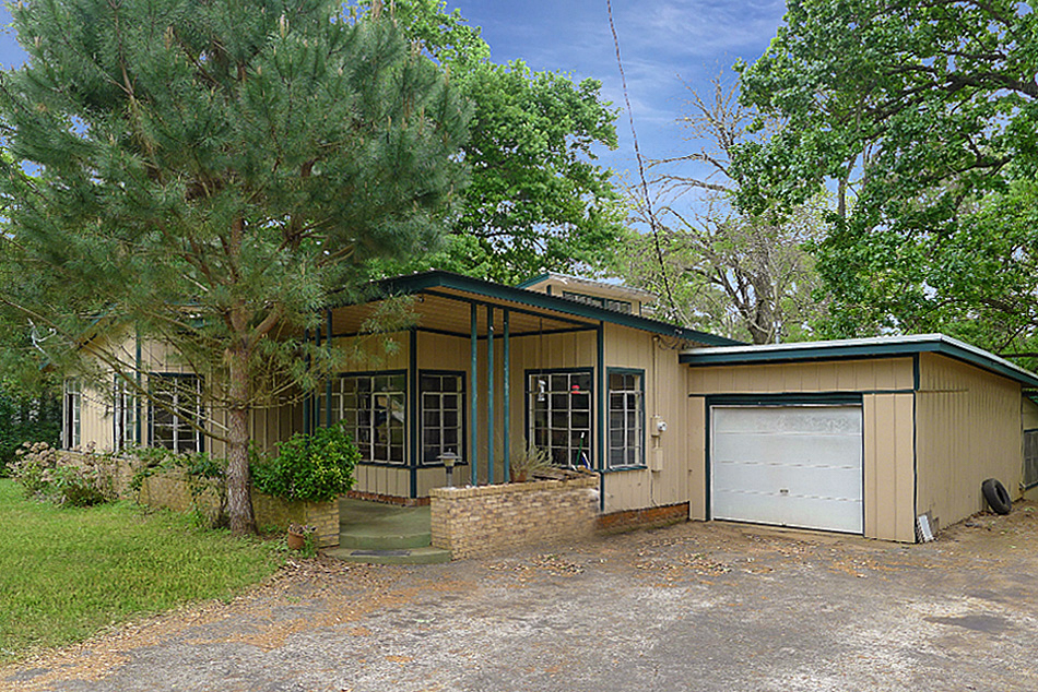 708 E Angelina, Palestine, TX 75801 - House For Sale