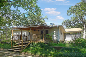 607 Crestwood, Palestine, TX 75803-House for Sale